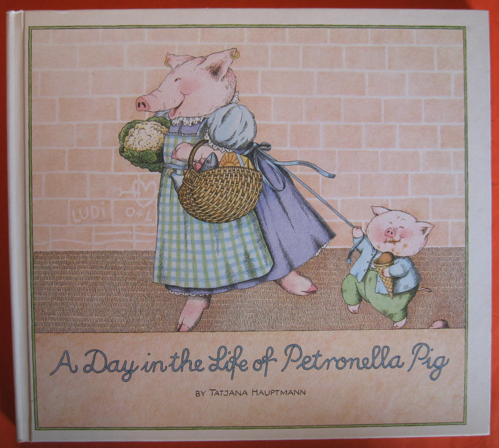 A Day in the Life of Petronella Pig, Hauptmann, Tatjana