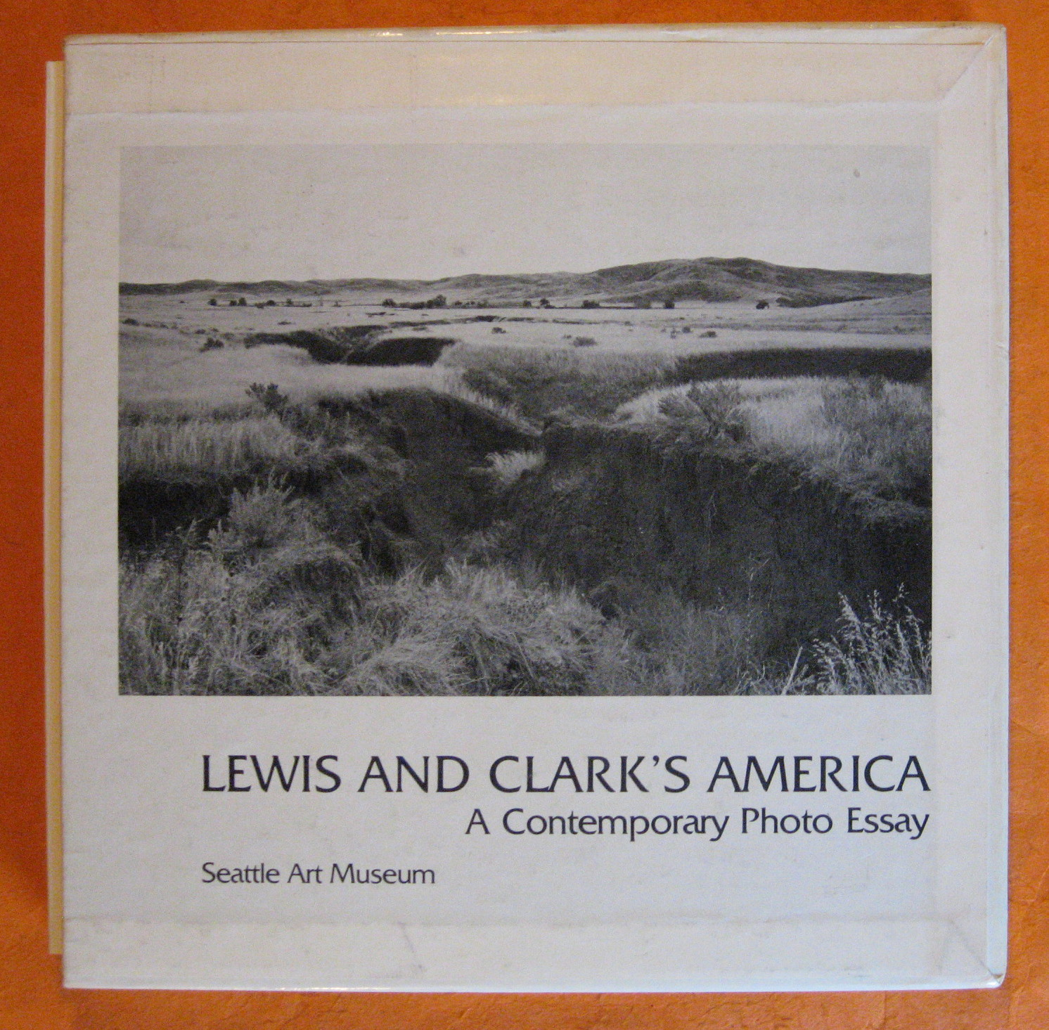 Lewis and Clark's America: A Voyage of Discovery; Lewis and Clark's America: A Contemporary Photo Essay (Two Volume Set), Macapia, Paul; Macapia, Mary;