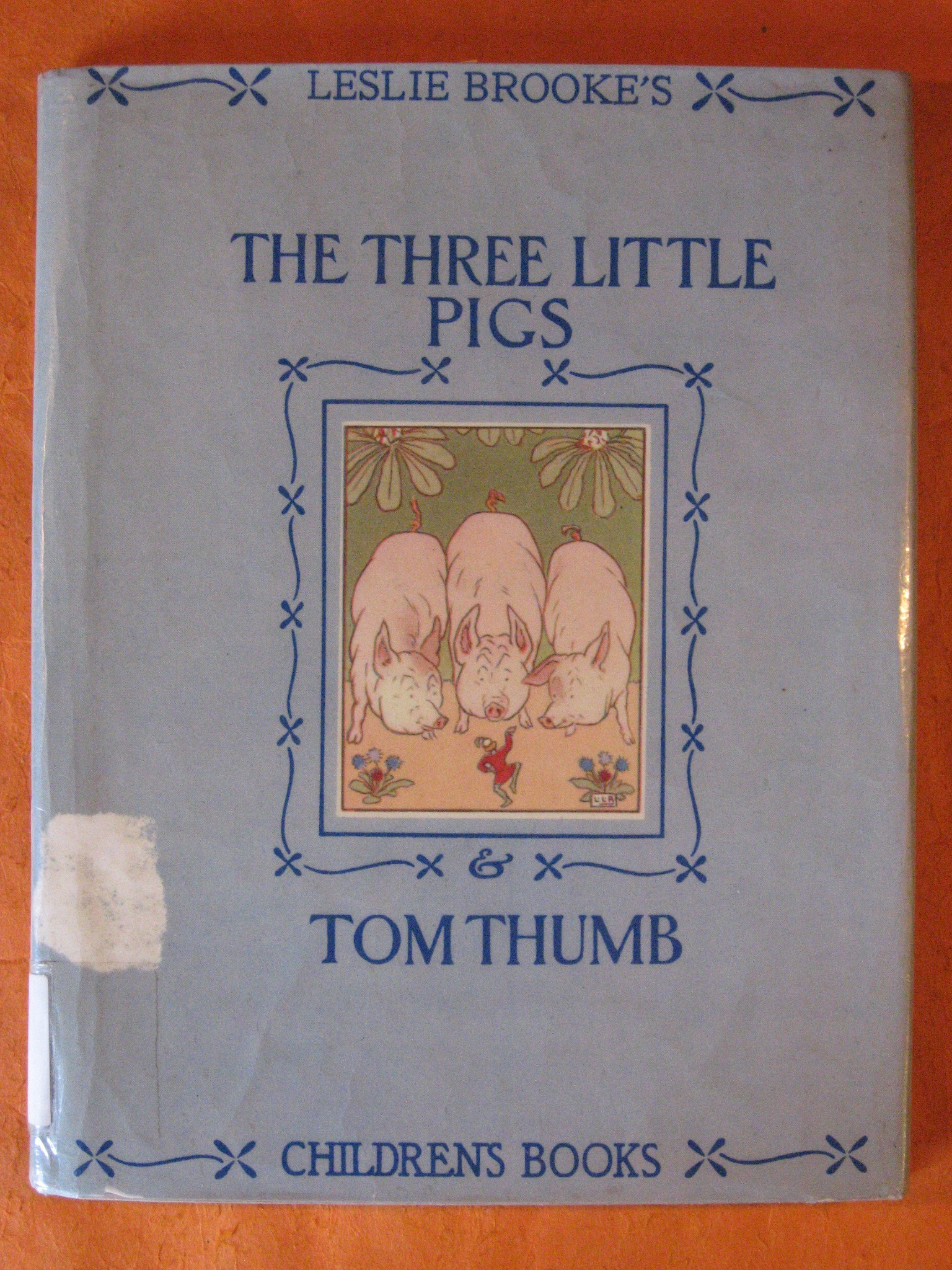 The Three Little Pigs and Tom Thumb, Brooke, L. Leslie